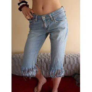 Levi's Fringe Light Blue Capri Denim Jeans Size 6!